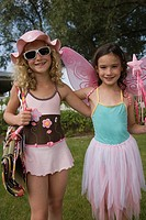 Portrait of young girls dressed up (thumbnail)