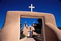 San Francisco de As&#237;s Church built in 1815 by Franciscans, Ranchos de Taos. New Mexico, USA