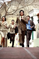 Business people running (thumbnail)