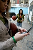 View of a young woman with its cell phone