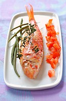 Thyme-grilled mullet with raw diced tomato and French beans (thumbnail)