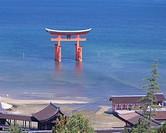 Itsukushima shrine, Great torii, Miyajima, Hiroshima, Japan