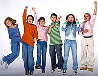 Multi_ethnic children cheering