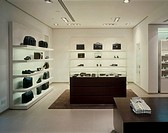HUGO BOSS SHOP, THE METQUATER WHITECHAPLE, LIVERPOOL, MERSEYSIDE, UK, DALZIEL & POW, INTERIOR, MENS ACCESORRIES