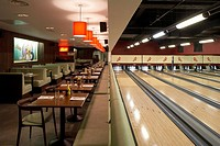 ALL STAR LANES, BLOOMSBURY PLACE, LONDON, WC1 BLOOMSBURY, UK, UNKNOWN OR N/A, INTERIOR, INTERIOR OF THE MAIN SPACE WITHIN THE BOWLING ALLEY, WITH THE ...