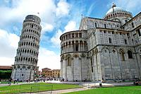 Leaning tower of Pisa, Italy (thumbnail)