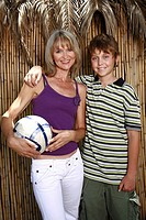 Mother with son and ball (thumbnail)