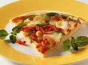 Pepper pizza with mozzarella