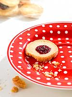 Plate with fruit_filled cookie