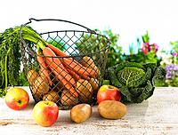 Close-up of fruits and vegetables in a basket (thumbnail)
