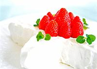 Star shaped cake with cream and strawberry