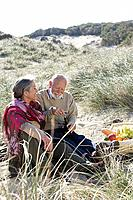 Senior couple having a picnic (thumbnail)