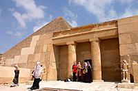 Cheops pyramid, tourists, Gizeh pyramids, Giza pyramids, Egypt
