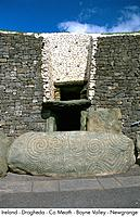 Ireland _ Drogheda _ Co Meath _ Boyne Valley _ Newgrange