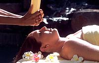 Spa _ Treatment _ Massage_ Hot coconut oil massage