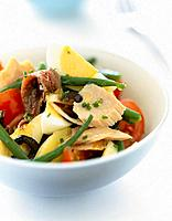 Mixed salad with tuna and anchovies