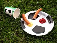 Paper cup and plate with sausage