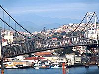 florianopolis hercilio luz bridge view connecting the city and the bay