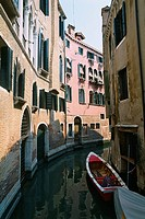 Italy _ Venice _ Channels _ residential buildings