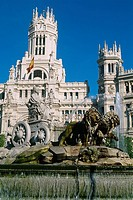Spain - Madrid - Plaza de las Cibeles - The Cibeles fountain - Communications Palace (thumbnail)