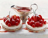 Tortine di montagna Panna cotta cakes with berries & puree