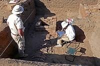 archeologi nella royal city, dintorni di meroe, nubia, sudan, nord africa