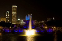 Fountain in a city, Buckingham Fountain, Grant Park, Chicago, Illinois, USA