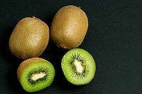 Close_up of kiwi fruits
