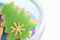 Christmas tree shaped ginger bread close_up