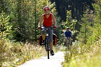 Germany, Bavaria, Oberland, Couple mountain biking