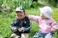 Kinder auf der Blumenwiese6