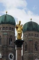 Mariensäule mit Frauenkirche