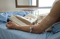 CHEMOTHERAPY The pictures of this photo essay can be used only to illustrate cancer. Photo essay from the Gustave_Roussy Institute, France. Anti_cance...