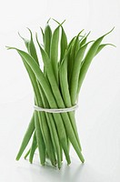 Several green beans, tied in a bundle (thumbnail)