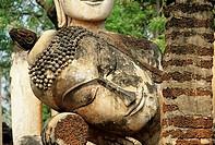 Statue in the Viharn, Wat Phra Kaeo, Kamphaeng Phet Historical Park, Kamphaeng Phet, Thailand