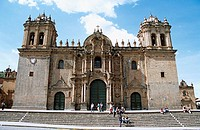 The Cathedral, part of three church complex including El Triunfo and Iglesia Jesus y Maria, Plaza de Armas, Cusco, Peru