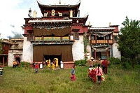 China, Sichuan, near Danba, Tibetan Buddhist temple