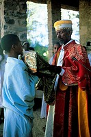 Ethiopia, Gondar, end of the mass, priest