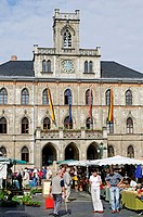 Weekly markets in front of City Hall on the market square, Weimar, Thuringia, Germany, Europe