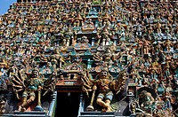 West Gopuram (entrance gateway to the temple enclosure), Sri Meenakshi Amman Temple, Madurai. Tamil Nadu, India