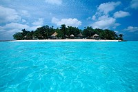 Maldives - Banyan Tree Resort - Vabbinfaru Island (thumbnail)
