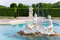 Fountain in palace garden, Belvedere Palace, Historic Centre Of Vienna, Vienna, Austria
