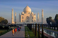 India, Uttar Pradesh, Agra city, Taj Mahal, UNESCO, World heritage site, Asia, travel, January 2008, architecture, moo