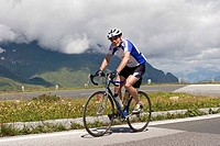 Bicyclist on the Grossglockner high roads, Hohe Tauern National Park, Alps, Austria