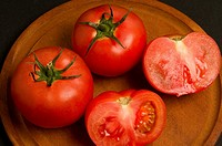 Close-up of tomatoes (thumbnail)