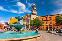 Fountain at a town square, Plaza Del Carmen, San Luis Potosi, Mexico
