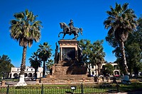 Low angle view of a monument, Monument of Jose Maria Morelos And Pabon, Plaza Hidalgo, Morelia (thumbnail)