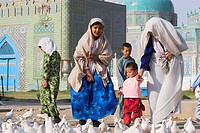 Family looking at the famous white pigeons, Shrine of Hazrat Ali, Mazar_I_Sharif, Afghanistan, Asia