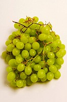Close_up of a bunch of grapes