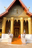 Monk, Wat Ho Siang, Luang Prabang, UNESCO World Heritage Site, Laos, Indochina, Southeast Asia, Asia